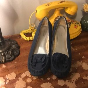 Bow loafer navy flat